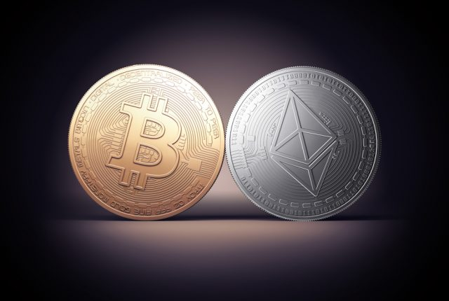 Bitcoin Cash e Ethereum oscillano